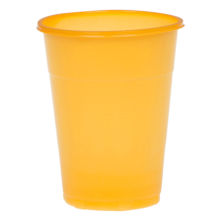 Предметная фотосъемка пластикового стаканчика